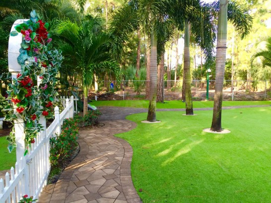 Artificial Grass Photos: Best Artificial Grass Belle Isle, Florida Gardeners, Parks